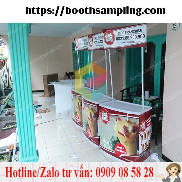 booth nhua quang cao