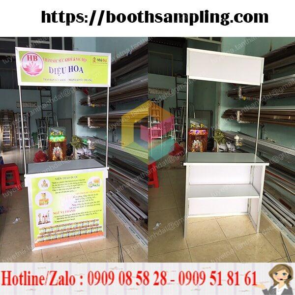 lam booth ban hang bang nhom
