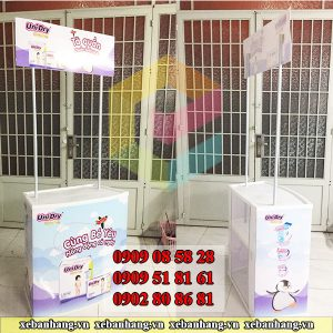 booth nhua lap rap tien loi gia re