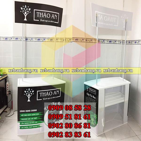 booth sampling nhua thao lap